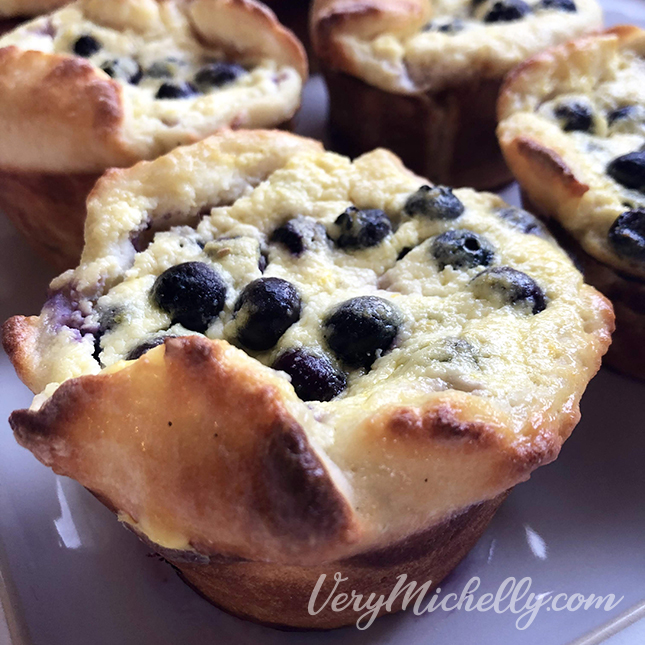 Blueberry Lemon Cream Breakfast Bombs